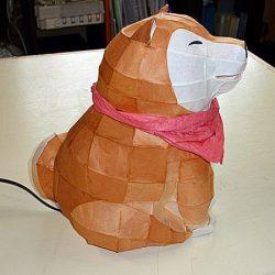 犬のオブジェ側面